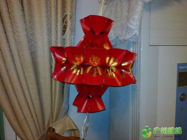 帮姐姐的儿子做了一个红包灯笼